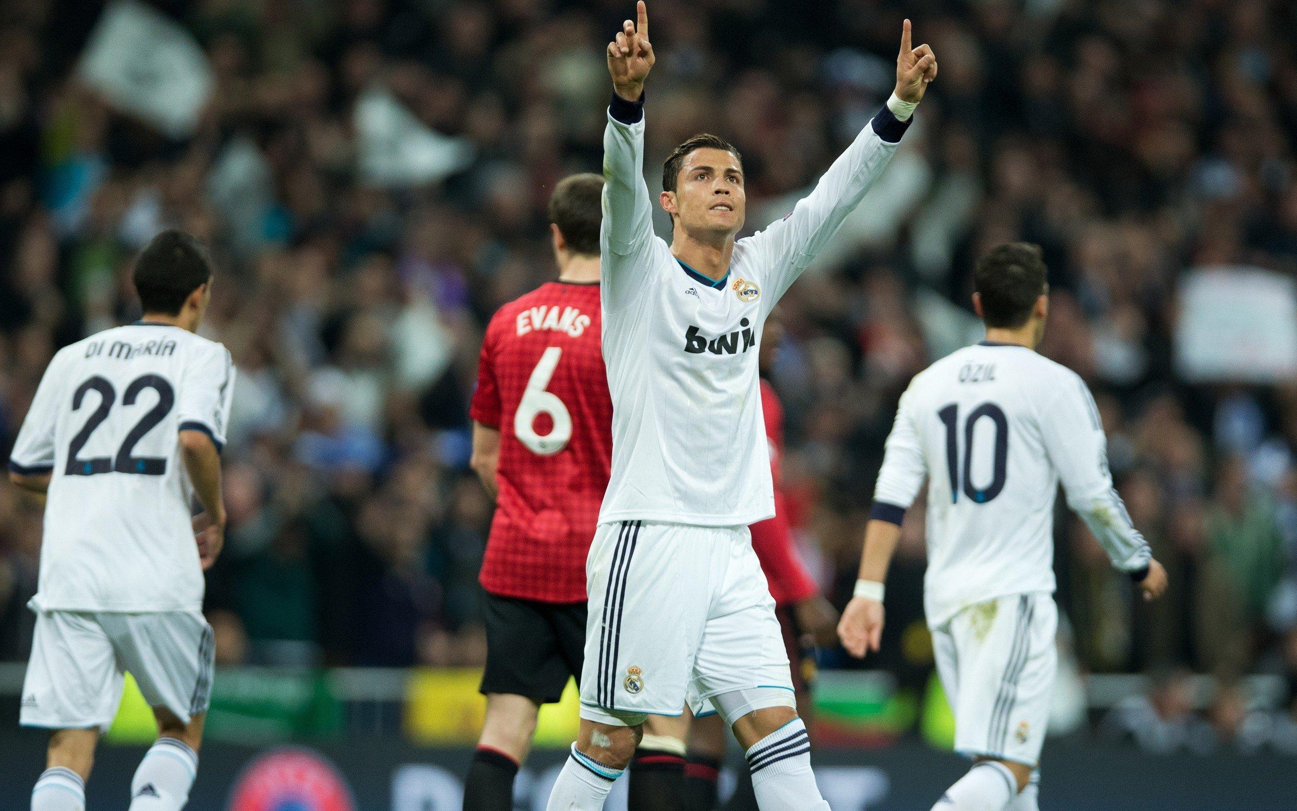 Sports, Cristiano Ronaldo, Ángel Di María, Mesut Ozil
