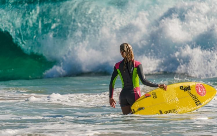 Sports Surfers Waves Hd Wallpapers Desktop And Mobile