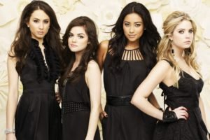 Pretty Little Liars, Troian Bellisario, Ashley Benson, Lucy Hale, Shay Mitchell, Brunette