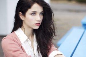 Emily Rudd, Women, Actress, Brunette, Blue eyes, Looking away, Sensual gaze, Long hair, Windy