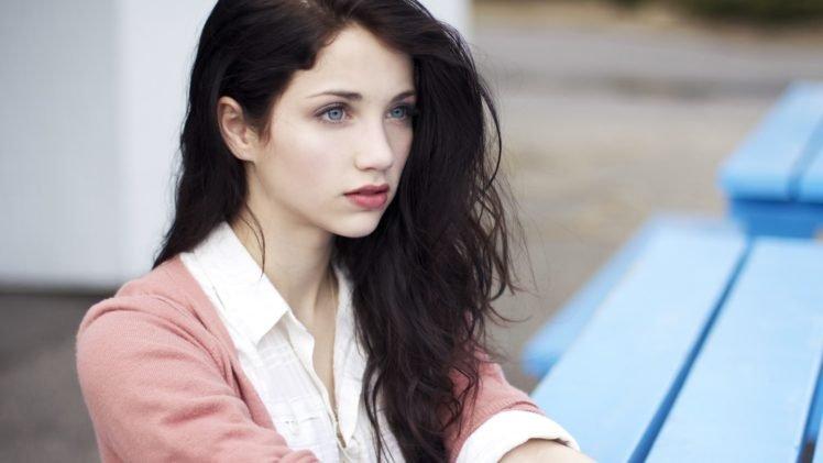 Emily Rudd Women Actress Brunette Blue Eyes Looking