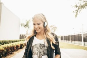 Darya Klishina, Women, Blonde, Athletes, Headphones