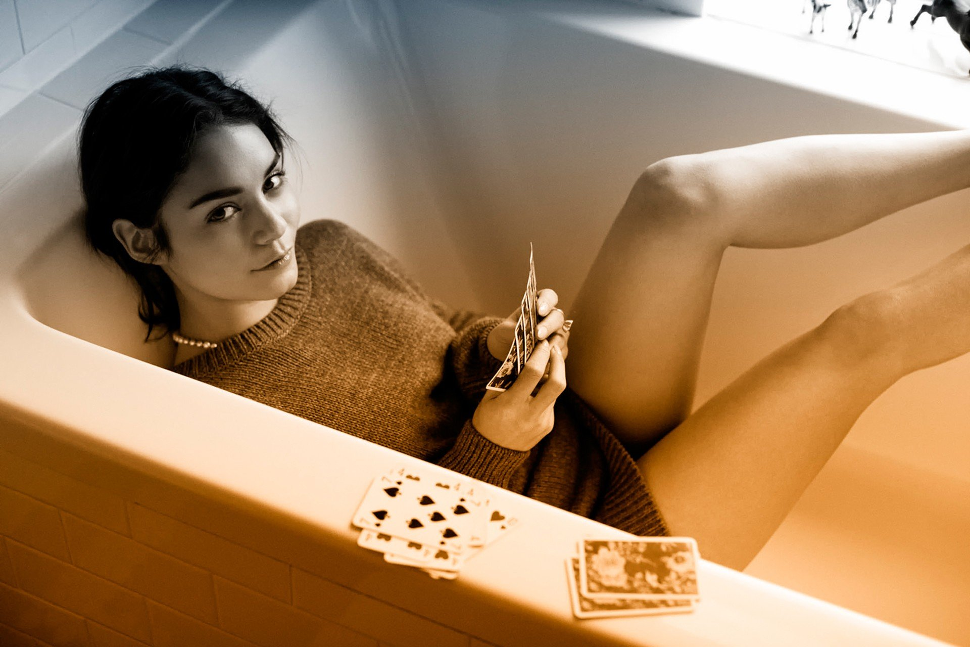 Vanessa Hudgens Gradient Playing Cards Bathtub Sweater Hd Wallpapers Desktop And Mobile Images Photos