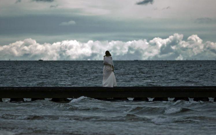 women, Women outdoors, Sea, Sky, Clouds HD Wallpaper Desktop Background