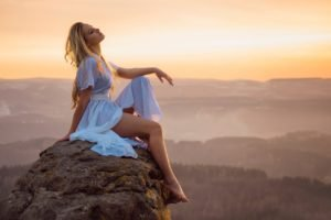 women outdoors, Landscape, Model
