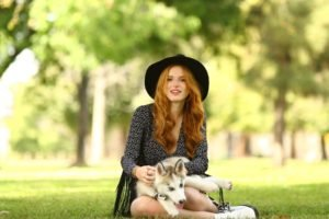 women, Model, Redhead, Long hair, Nature, Trees, Women outdoors, Sitting, Looking at viewer, Animals, Dog, Grass, Park, Open mouth, Bella Thorne