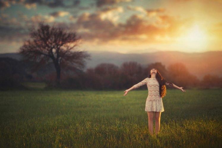women, Model, Long hair, Nature, Trees, Women outdoors, Brunette, Field, Grass, Hill, Clouds, Sunlight, Smiling, Looking up, Freedom HD Wallpaper Desktop Background