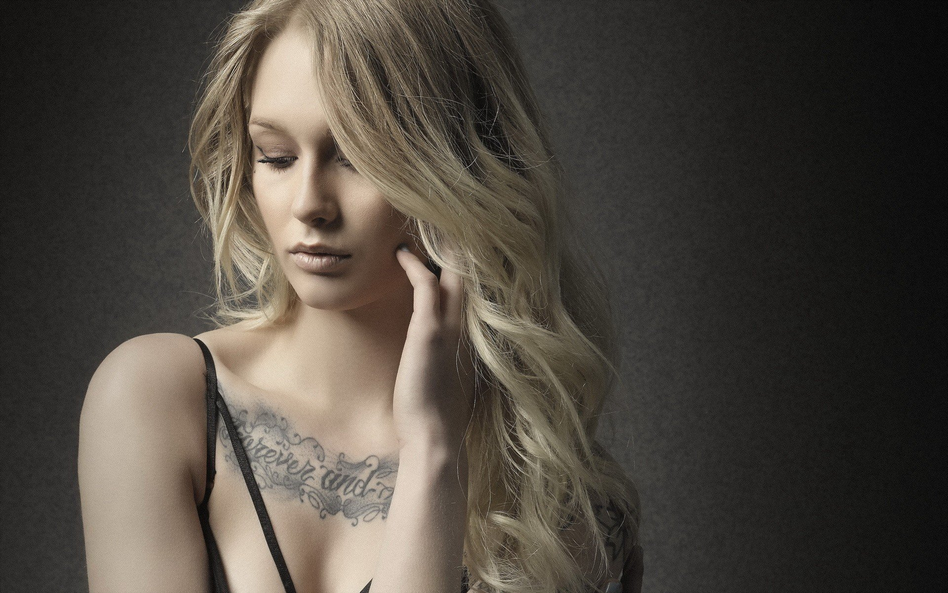 Blonde tattoo girl