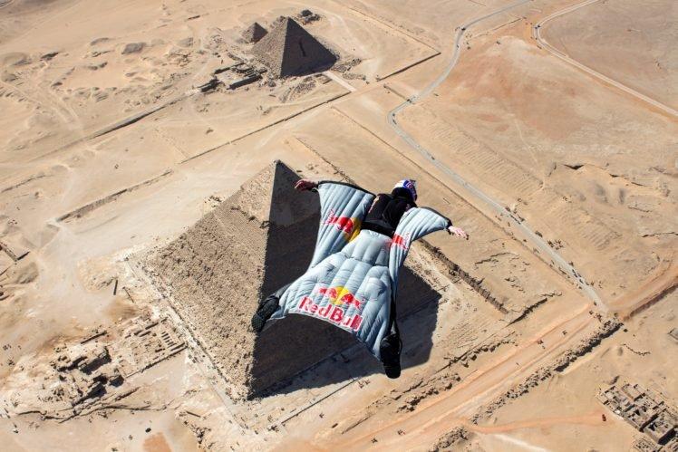 men, Sports, Parachutes, Jumping, Birds eye view, Nature, Sand, Flying, Helmet, Wingsuits, Desert, Pyramids of Giza, Egypt, Red Bull HD Wallpaper Desktop Background