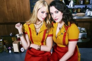 Two Broke Girls, Kat Dennings, Blue eyes, Beth Behrs