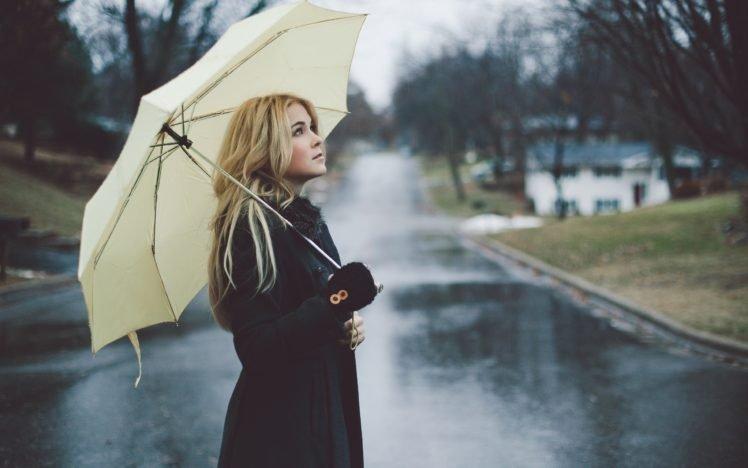women, Blonde, Rain, Umbrella, Street, Long hair, Lenay Dunn HD Wallpaper Desktop Background