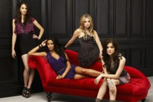 Pretty Little Liars, Troian Bellisario, Ashley Benson, Lucy Hale, Shay Mitchell