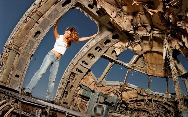 women, Celebrity, Long hair, Looking at viewer, Denise Richards, Actress, Jeans, Tank top, Brunette, Airplane, Wreck, Women outdoors HD Wallpaper Desktop Background