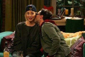 Kaley Cuoco, The Big Bang Theory, Leonard Hofstadter, Kissing, Penny