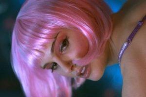 Natalie Portman, Closer, Pink hair