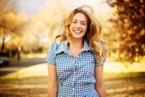 women, Model, Blonde, Long hair, Looking at viewer, Shirt, Women outdoors, Smiling, Happy, Trees, Park, Fall, Windy, Road