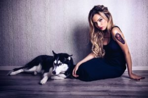 women, Model, Blonde, Long hair, Tattoo, Animals, Dog, Sitting, On the floor, Black dress, Siberian Husky