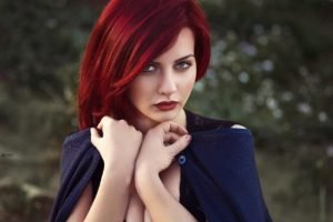 women, Model, Redhead, Green eyes, Red lipstick, Cleavage, Looking at viewer, Goosebumps