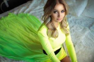 blonde, Model