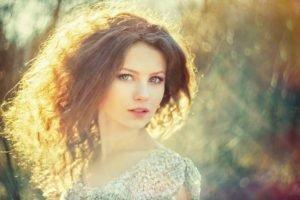 women, Blue eyes, Curly hair, Sunlight