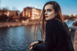 long hair, Looking away, Women outdoors, Auburn hair, Sweater, Blurred, Red nails, Colored nails, Ekaterina Kuznetsova, Women, Model, Brunette, Blue eyes