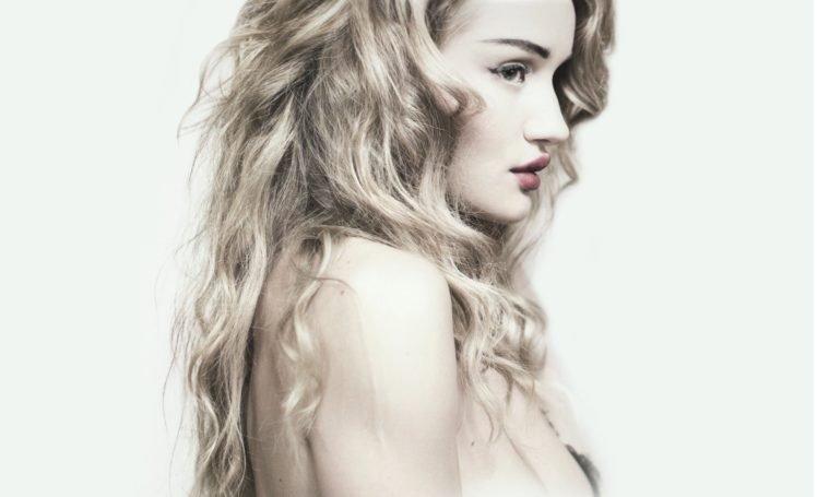 women, Model, Blonde, Juicy lips, Long hair, Rosie Huntington Whiteley HD Wallpaper Desktop Background