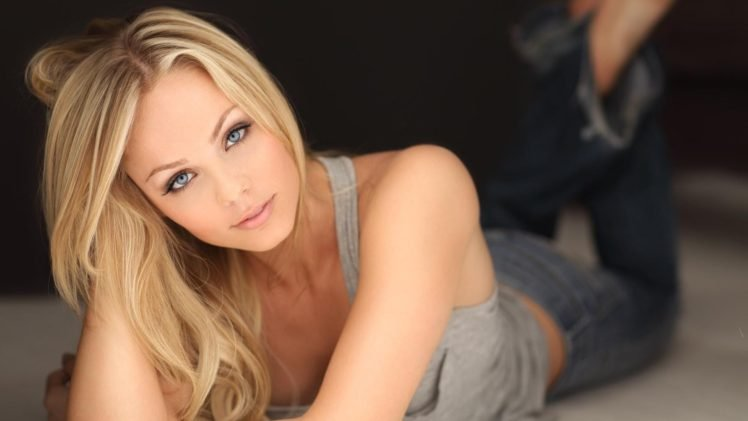 women, Laura Vandervoort, Blonde, Blue eyes, Model, Depth of field HD Wallpaper Desktop Background