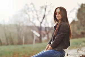 women, Brunette, Jeans, Sunglasses