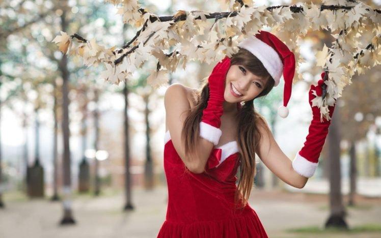 Asian, Long hair, Auburn hair, Santa, Santa costume, Christmas, Agnes Lim, Smiling HD Wallpaper Desktop Background