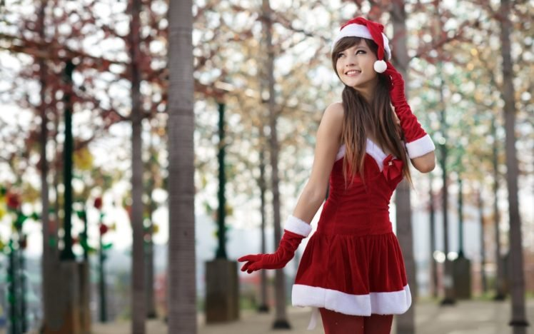 women, Asian, Long hair, Auburn hair, Santa, Santa costume, Christmas, Agnes Lim HD Wallpaper Desktop Background