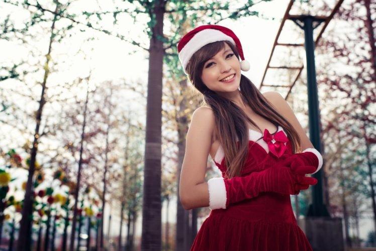 women, Asian, Long hair, Auburn hair, Santa, Santa costume, Christmas, Agnes Lim, Smiling HD Wallpaper Desktop Background