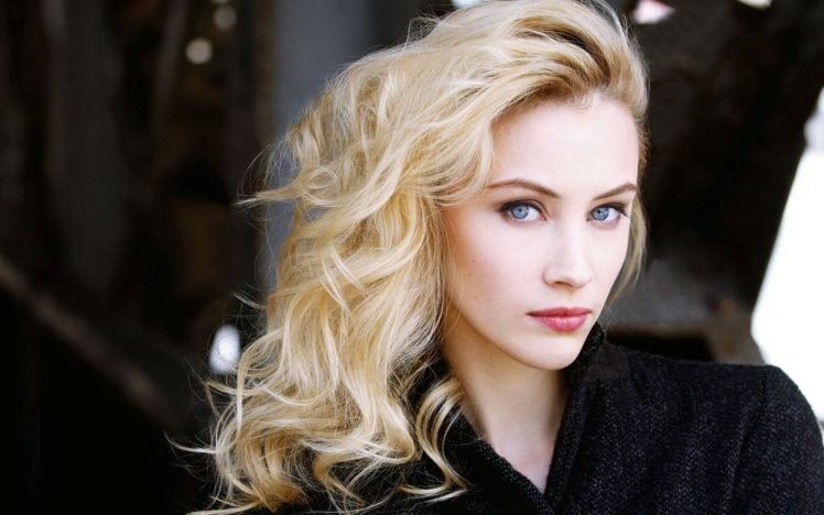 Sarah Gadon, Blonde, Blue eyes, Face, Women HD Wallpaper Desktop Background