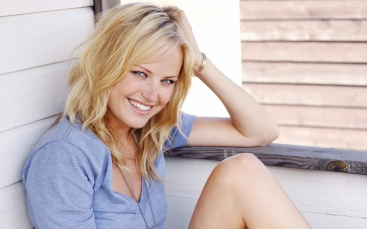 Malin Akerman, Blonde, Blue eyes, Women, Bracelets, Smiling, T shirt, Looking at viewer HD Wallpaper Desktop Background