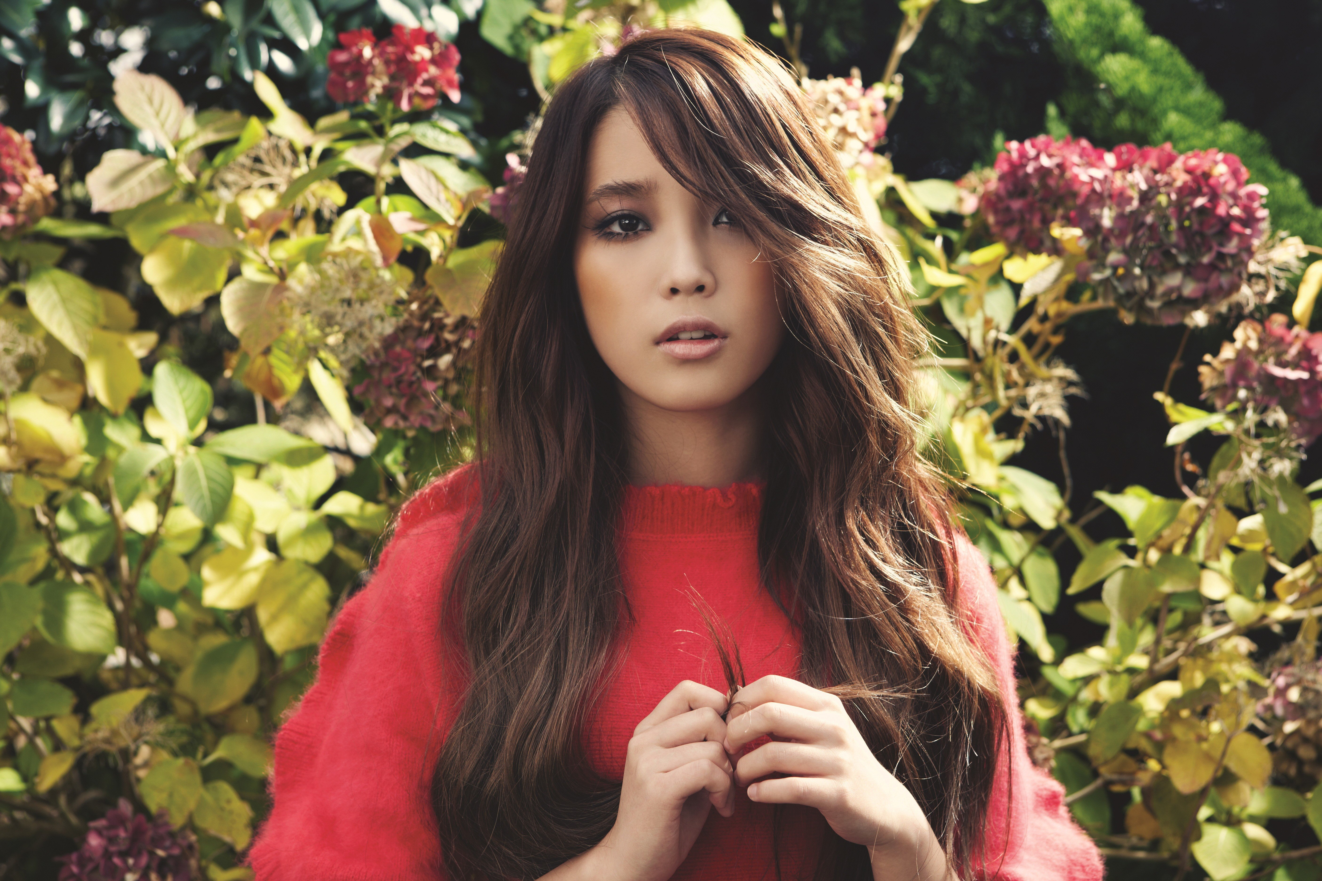 Wallpaper : model, Asian, brunette, Looking into the