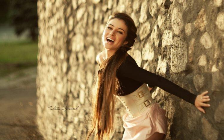 women, Brunette, Long hair HD Wallpaper Desktop Background