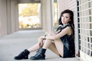 women, Model, Black clothes, Headphones, Walls, Music, Asian