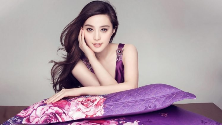 women, Model, Brunette, Long hair, Face, Asian, Fan Bingbing, Chinese, Actress, Bare shoulders, Pillow, Smiling, Brown eyes HD Wallpaper Desktop Background
