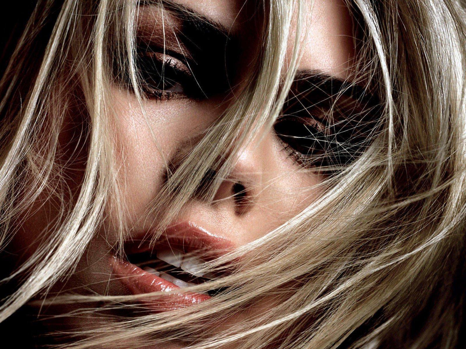 Billie Piper, Hair in face, Blonde, Face, Closeup Wallpaper