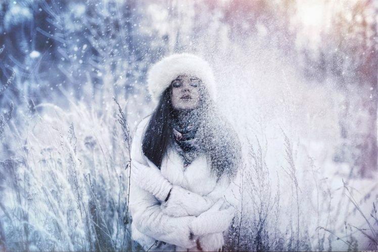 women, Snow, Brunette, Long hair, Model, Winter, Grass HD Wallpaper Desktop Background