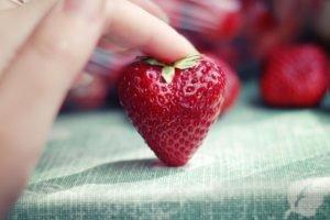 hearts, Strawberries, Fingers