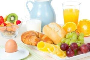breakfast, Juice, Grapes, Eggs, Croissants, Kiwi (fruit), Strawberries
