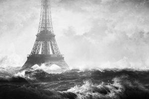 Eiffel Tower, Photo manipulation