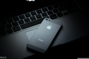 Apple Inc., IPhone