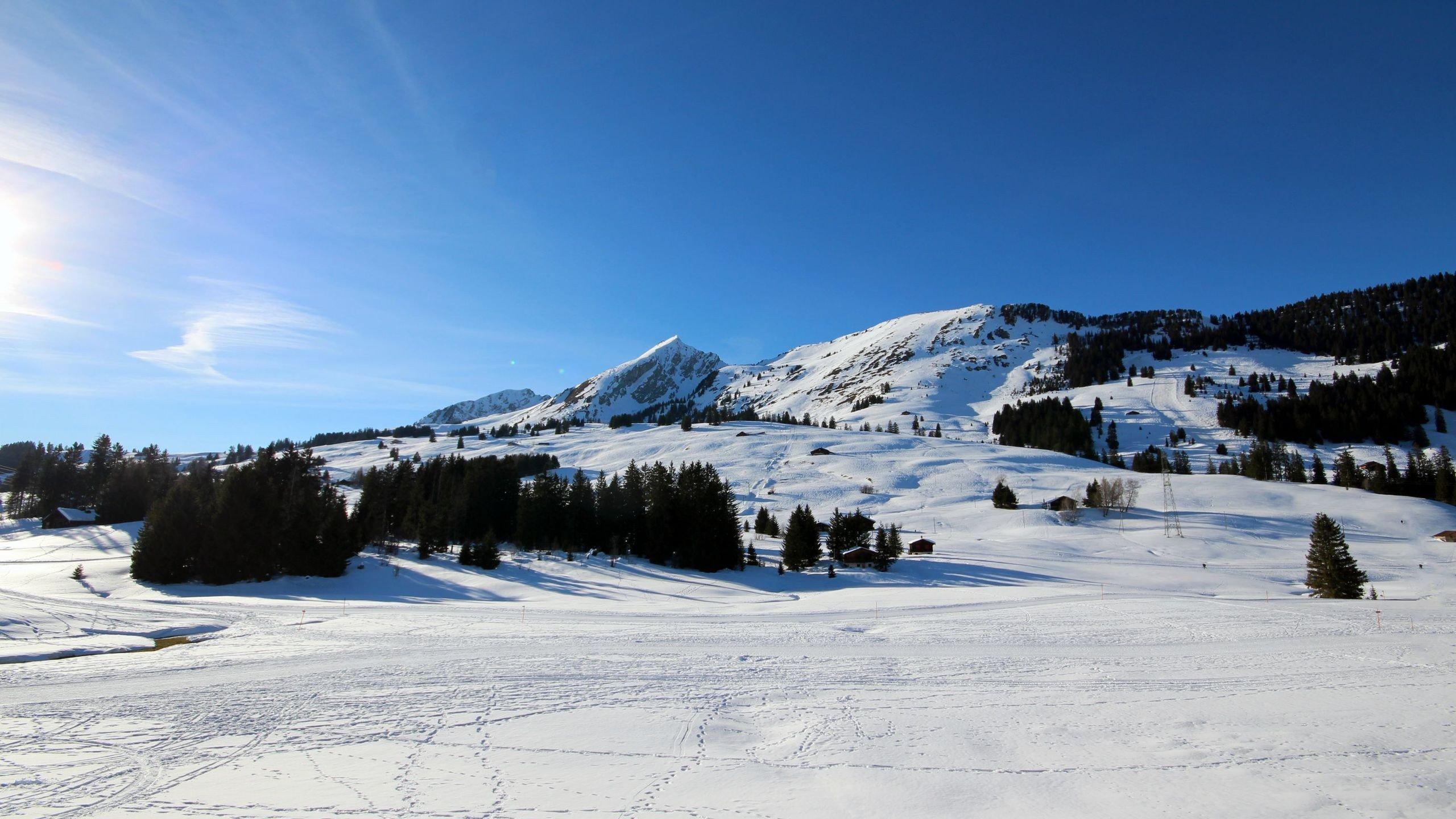 Снег на горных склонах без смс