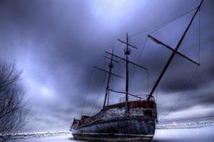HDR, Boat, Snow