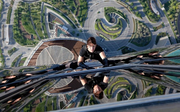 Mission Impossible Ghost Protocol Tom Cruise Climbing Heights Hd